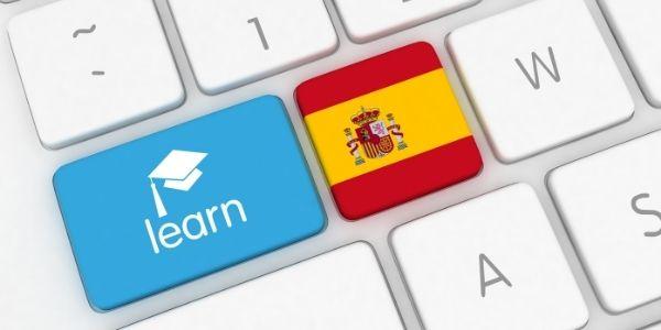 Spanish flag on computer keyboard