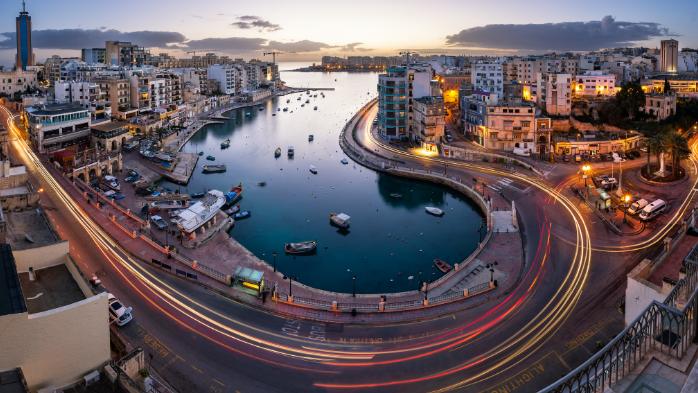 Malta Spinola bay by night